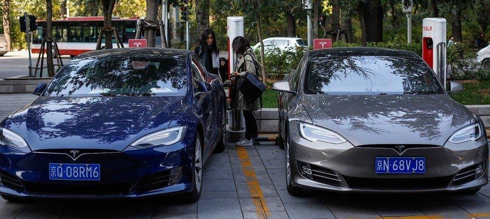 Tesla Fahrzeuge in China